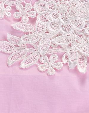 Ροζ φορμάκι με δαντελένια λουλούδια