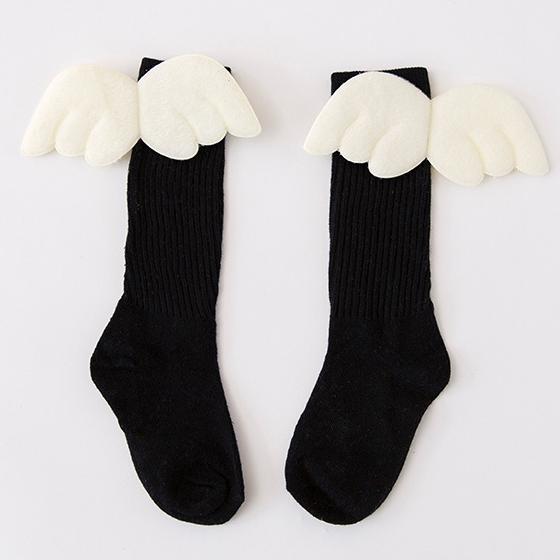 Βρεφικές παιδικές κάλτσες μαύρες βαμβακερές με λευκά φτερά αγγέλων