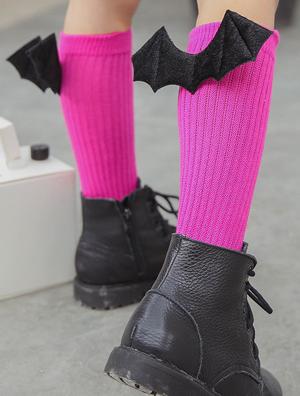 Κάλτσες φούξια βαμβακερές με μαύρα διαβολικά φτερά νυχτερίδας