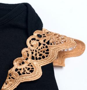 Βρεφικό πριγκιπικό φορμάκι σετ με λευκή τούλινη φουστίτσα και χρυσό στέμμα